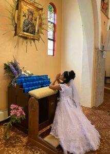 Girl-kneeling-ifo-OLPH-painting